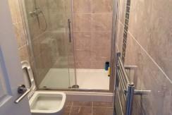 becon shower 1
